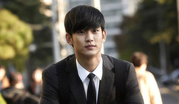 10 sự thật ít ai biết về Quả cầu vàng xứ Hàn Baeksang: Kim Soo Hyun lập kỉ lục nhưng vẫn kém xa đàn anh Lee Byung Hun ở một khoản - Ảnh 10.