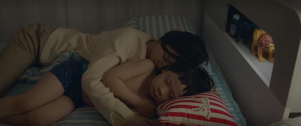 Mừng hụt vì màn bẻ lái ở tập 10 Hospital Playlist: Thuyền Ik Jun - Song Hwa sẽ sớm lật hay về đích mãn nhãn ở phút cuối cùng? - Ảnh 11.