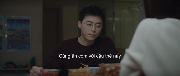 Mừng hụt vì màn bẻ lái ở tập 10 Hospital Playlist: Thuyền Ik Jun - Song Hwa sẽ sớm lật hay về đích mãn nhãn ở phút cuối cùng? - Ảnh 13.