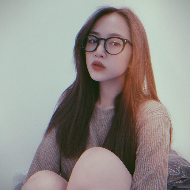 Con gái đại gia Minh Nhựa comeback sau sinh với ảnh bikini khoe bụng phẳng eo thon, hỏi có mòn con mắt không cơ chứ - Ảnh 4.