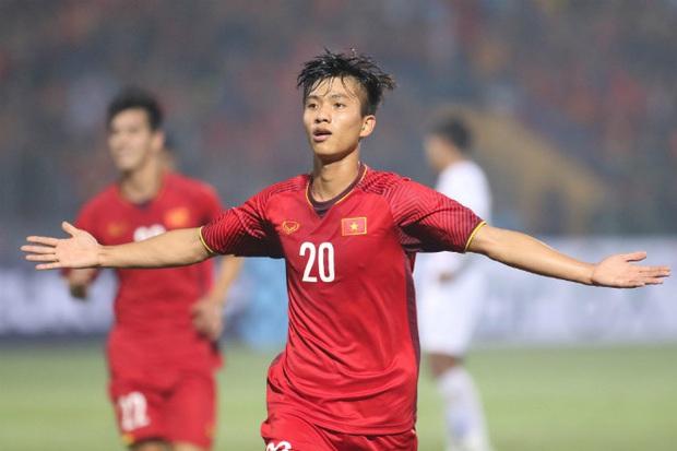 Buồn chân rảnh tay, tuyển thủ Phan Văn Đức tham gia thử thách với kèo solo AoE cùng game thủ máu mặt - Ảnh 2.