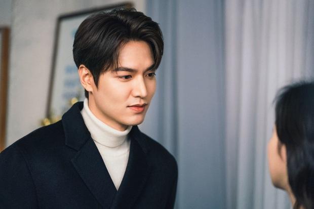Lee Min Ho lại khoe nụ hôn ngọt ngào với Kim Go Eun trên trang cá nhân, người muốn hét lên phim giả tình thật chính là anh? - Ảnh 2.