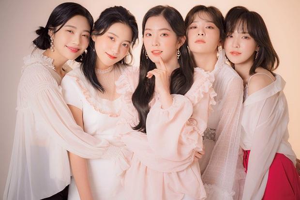 Ly kỳ chuyện 5 mỹ nhân Red Velvet được SM tuyển chọn: Irene là nữ thần từ hồi thực tập, Yeri gây xôn xao vì được chủ tịch cưng? - Ảnh 2.