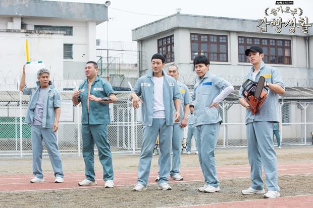Nhìn kĩ BXH 10 phim Hàn được báo Mỹ chọn là đáng xem nhất trên Netflix, mới thấy đài hắc mã tvN bao thầu toàn tác phẩm hay ho! - Ảnh 9.