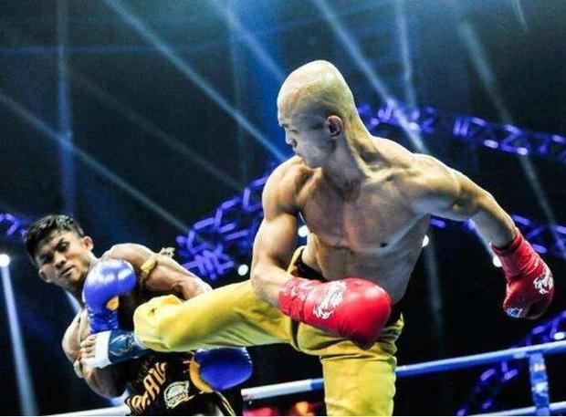 Bó tay với báo giá 700 tỷ, đệ nhất Thiếu Lâm nghĩ ra độc chiêu mới để được đấu Mike Tyson - Ảnh 1.