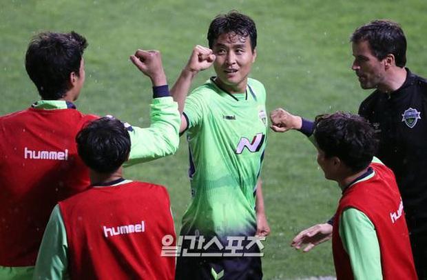 Nhạy bén và tạo trend cực tốt, bóng đá Hàn Quốc gây sốt khi câu view trên khắp thế giới: Đến giải hạng 2 cũng được chú ý - Ảnh 2.