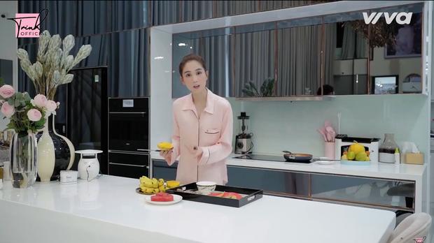 Chủ tịch Ngọc Trinh thử thách một ngày tự nấu nướng và làm việc nhà thay giúp việc, tiết lộ thói quen ăn uống cực hiếm người trong showbiz có - Ảnh 5.