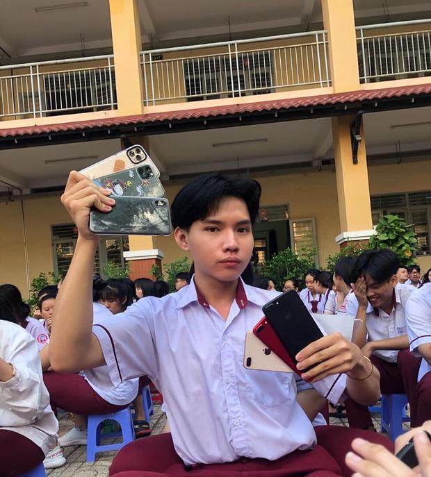 Nam sinh lớp 12 học cô Minh Hiếu đi đường quyền với dàn Iphone 11 Pro Max, XS Max xịn sò khiến dân mạng mắt tròn mắt dẹt - Ảnh 1.
