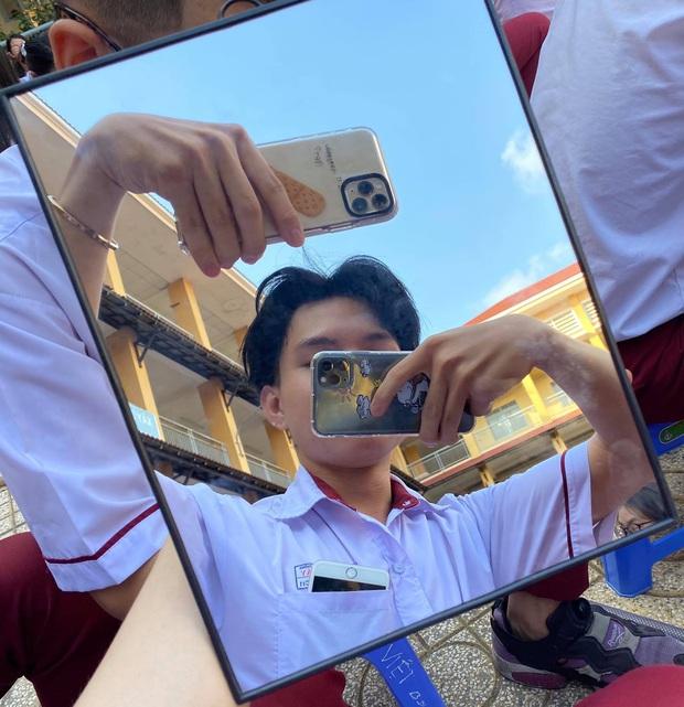 Nam sinh lớp 12 học cô Minh Hiếu đi đường quyền với dàn Iphone 11 Pro Max, XS Max xịn sò khiến dân mạng mắt tròn mắt dẹt - Ảnh 2.
