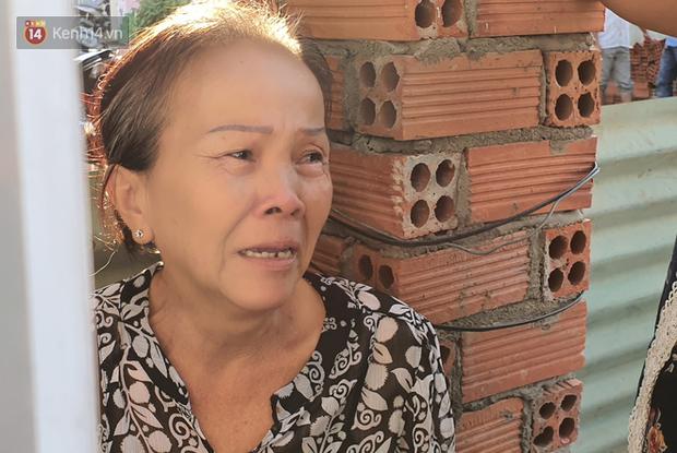 Đám tang đẫm nước mắt của nạn nhân lớn tuổi nhất vụ sập tường ở Đồng Nai: Mẹ ơi, con tìm thấy bố rồi, bố ở trong nhà xác bệnh viện - Ảnh 4.