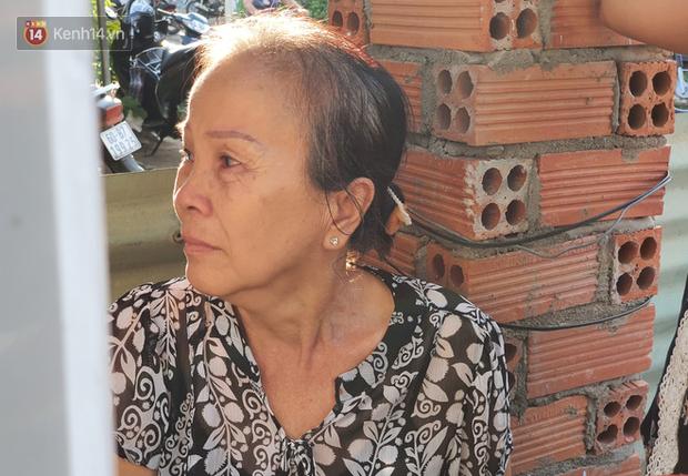 Đám tang đẫm nước mắt của nạn nhân lớn tuổi nhất vụ sập tường ở Đồng Nai: Mẹ ơi, con tìm thấy bố rồi, bố ở trong nhà xác bệnh viện - Ảnh 7.