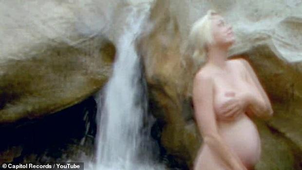 Dân tình choáng nặng vì cảnh Katy Perry khỏa thân 100% khoe bụng bầu ở tháng thứ 8 - Ảnh 4.