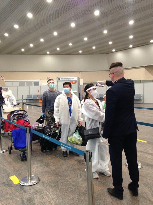 24 hành khách về nước trên chuyến bay từ Nga dương tính với SARS-COV-2, được cách ly ngay sau khi nhập cảnh - Ảnh 1.