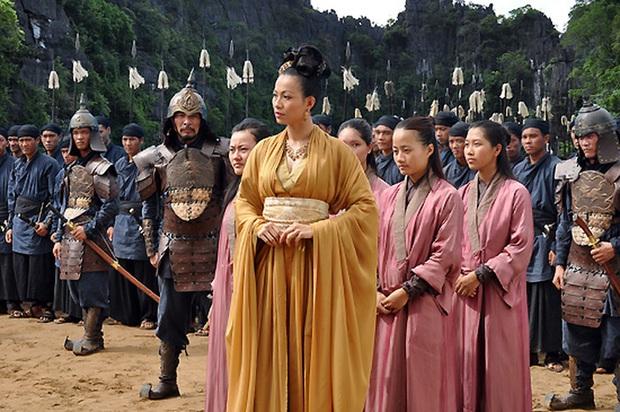 4 vị hoàng hậu tuyệt thế giai nhân trên màn ảnh Việt mà ai cũng mê - Ảnh 6.