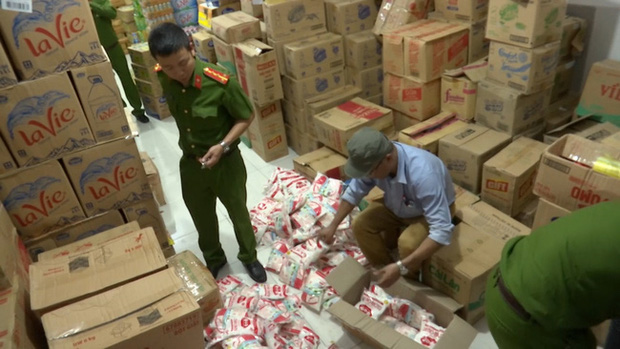Vòi bạch tuộc mì chính giả len lỏi khắp Hà Nội, tiêu thụ hàng tấn mỗi tháng - Ảnh 1.