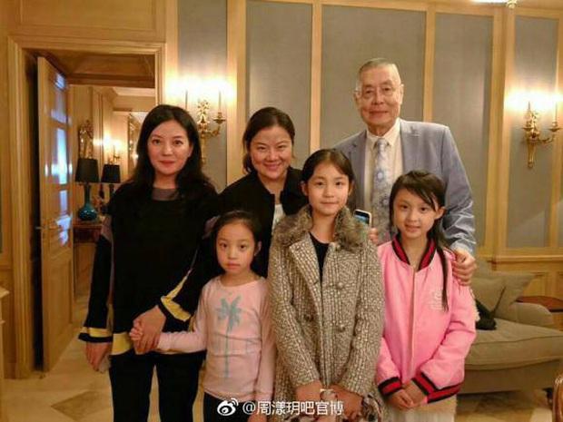 10 tuổi đã sở hữu căn hộ 456 tỷ đồng, học trường tính bằng tiền USD nhưng không ai nghĩ con gái Triệu Vy là con nhà giàu bởi 1 điều - Ảnh 3.