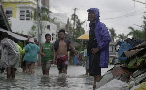 Bão Vongfong tàn phá nặng nề nhiều thị trấn của Philippines  - Ảnh 3.