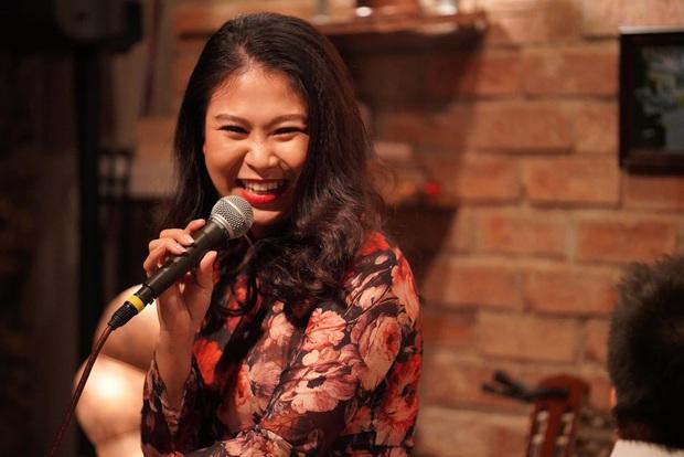 Vén màn công việc lồng tiếng phim cùng cô nàng gây bão TikTok Trang Nguyễn: Người đảm nhiệm thu âm series đình đám Diên Hi Công Lược - Ảnh 4.