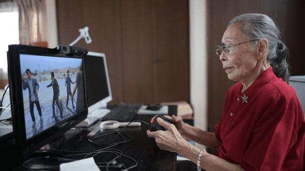 Nữ game thủ được kỷ lục Guinness công nhận là YouTuber già nhất thế giới, cực kỳ thích chơi GTA 5 - Ảnh 7.