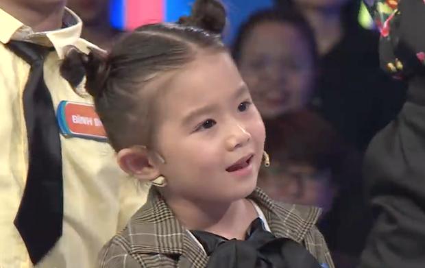Chết cười bé gái 5 tuổi nhất quyết đòi Trấn Thành giới thiệu là... BLACKPINK mới chịu nhảy! - Ảnh 4.