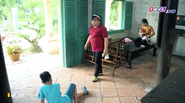 Mẹ Ghẻ tập 7: Mẹ ruột vừa bỏ đi hai đứa trẻ nhà Phong bỗng vừa quậy phá vừa hỗn hào, mắng chửi người lớn từ nhà ra ngõ - Ảnh 11.