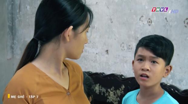 Mẹ Ghẻ tập 7: Mẹ ruột vừa bỏ đi hai đứa trẻ nhà Phong bỗng vừa quậy phá vừa hỗn hào, mắng chửi người lớn từ nhà ra ngõ - Ảnh 9.