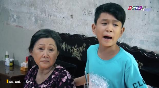 Mẹ Ghẻ tập 7: Mẹ ruột vừa bỏ đi hai đứa trẻ nhà Phong bỗng vừa quậy phá vừa hỗn hào, mắng chửi người lớn từ nhà ra ngõ - Ảnh 8.