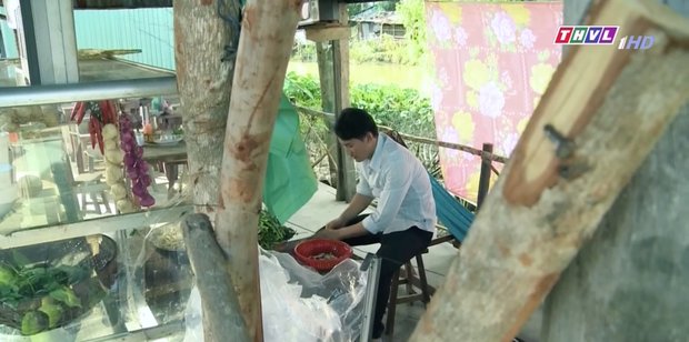 Mẹ Ghẻ tập 7: Mẹ ruột vừa bỏ đi hai đứa trẻ nhà Phong bỗng vừa quậy phá vừa hỗn hào, mắng chửi người lớn từ nhà ra ngõ - Ảnh 3.