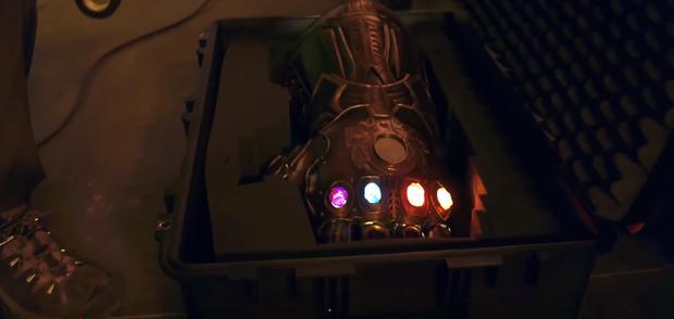 Marvel muối mặt khi bị bóc phốt những lỗi làm phim ngớ ngẩn nhất lịch sử: Thanos xài hàng giả đó giờ mà cứ lấp liếm - Ảnh 8.