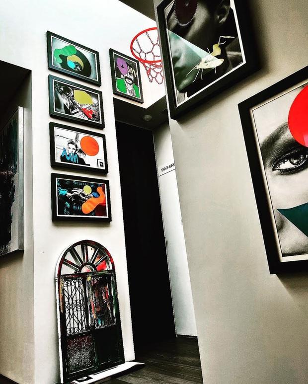 """Cách """"ông hoàng Kpop"""" G-Dragon decor penthouse 9 tỷ: Ghế đã trăm triệu mỗi cái, tranh treo tường giá còn cắt cổ hơn - Ảnh 3."""