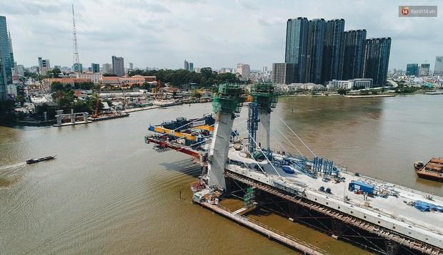 Chùm ảnh cầu Thủ Thiêm 2: Cây cầu dây văng hiện đại nối quận 1 với khu đô thị mới quận 2 đang gấp rút hoàn thiện - Ảnh 5.