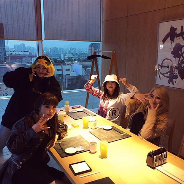 5 nhóm nhạc Kpop khiến fan sốc nặng vì tan rã: Hầu hết là các nhóm nữ, boygroup duy nhất vướng scandal mà phải giải thể - Ảnh 2.