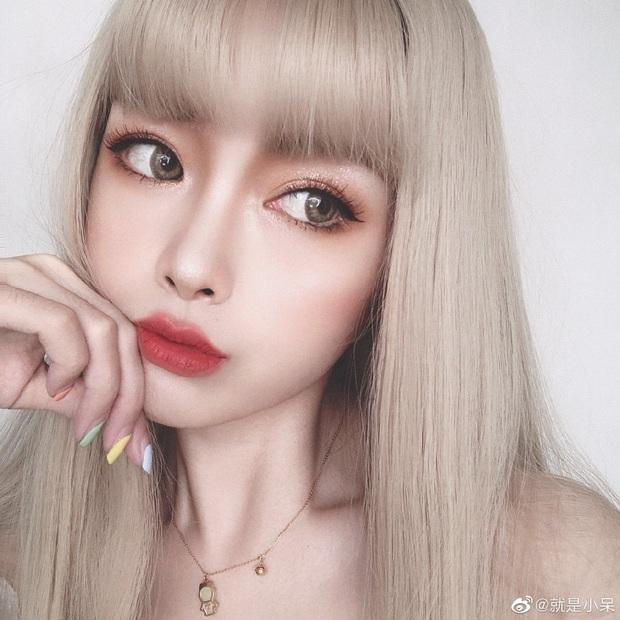 Hot girl Tik Tok để lộ nhan sắc già nua trên livestream, fan khóc ròng: Lại bye bye thêm một nữ thần - Ảnh 1.