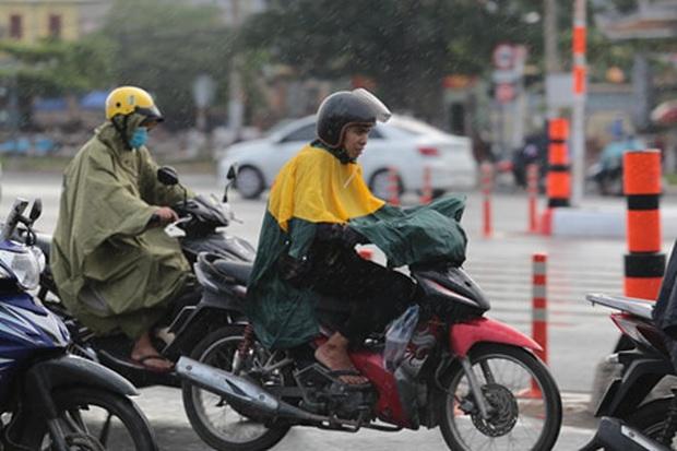Tiếp tục xuất hiện mưa lớn, Sài Gòn chính thức bước vào mùa mưa  - Ảnh 2.