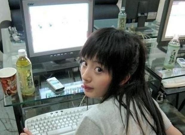 Năm 20 tuổi nhan sắc Dương Mịch xinh đẹp nhường này, bảo sao trở thành mỹ nhân đào hoa nức tiếng Cbiz - Ảnh 4.