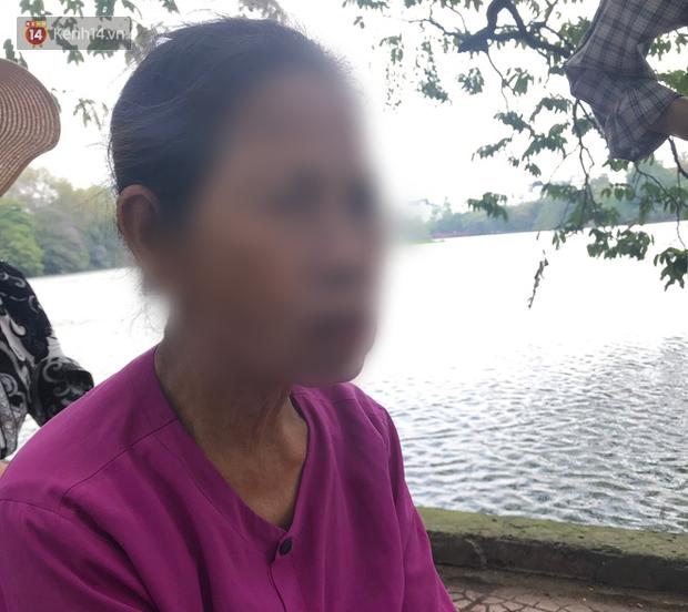 """Vụ cụ bà bán trà đá bị cậu thiếu niên tông trúng ở phố đi bộ Hồ Gươm: """"Bà ấy thường ngày sống tốt lắm nay gặp chuyện không may, một mình thuê trọ trên này để bán nước qua ngày"""" - Ảnh 5."""
