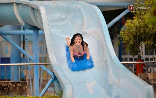 Công viên nước Hồ Tây đìu hiu ngày mở cửa trở lại - Ảnh 8.