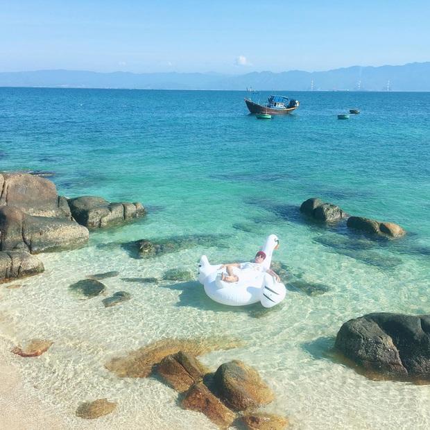 Vừa phát hiện một hòn đảo cực hoang sơ ở Việt Nam: Chưa cần chỉnh màu đã sở hữu làn nước xanh trong vắt, trông chẳng khác nào Maldives!  - Ảnh 4.