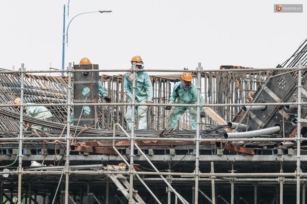 Chùm ảnh cầu Thủ Thiêm 2: Cây cầu dây văng hiện đại nối quận 1 với khu đô thị mới quận 2 đang gấp rút hoàn thiện - Ảnh 13.