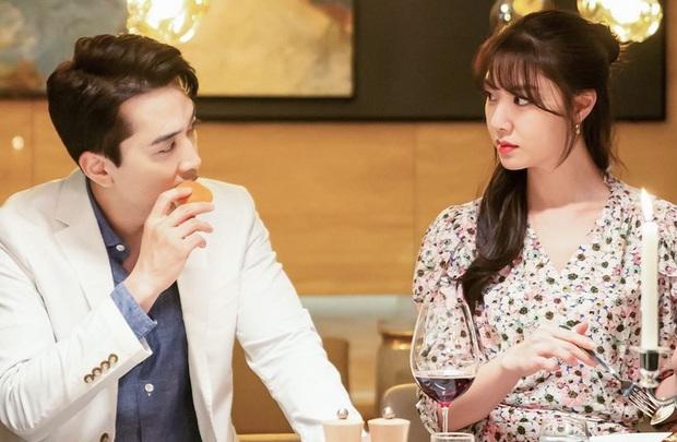 Đóng chung với người đẹp Apink, Song Seung Hun bị netizen Hàn khẩu nghiệp là trâu già gặm cỏ non - Ảnh 5.