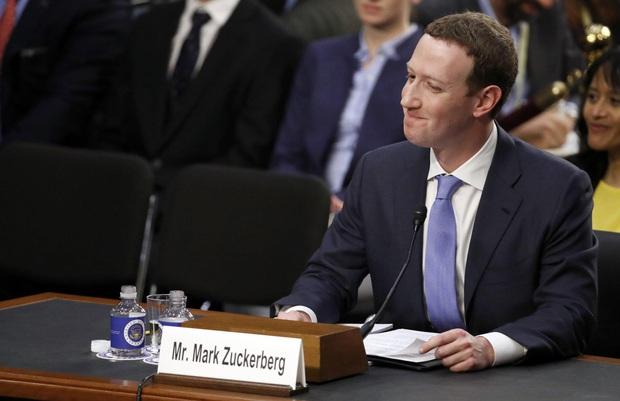 9 sự thật ít ai biết về độ giàu có của sếp tổng Facebook Mark Zuckerberg - Ảnh 2.