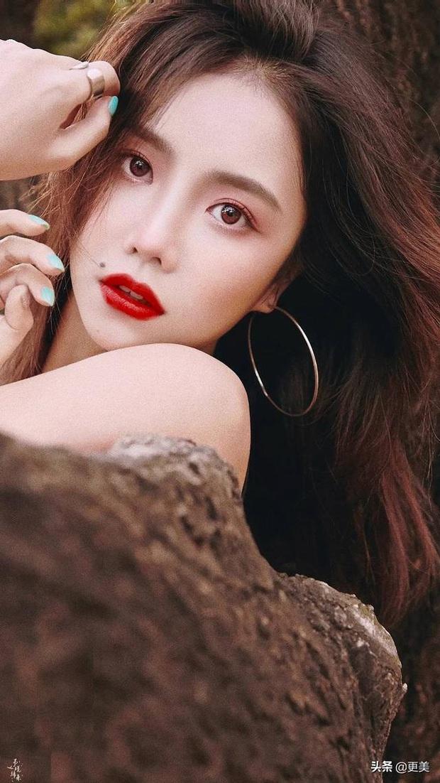 10.000 netizen bình chọn 9 thí sinh đẹp nhất Thanh Xuân Có Bạn: Ngu Thư Hân top cuối, Á hậu Hoa kiều vẫn thua 1 mỹ nhân - Ảnh 3.