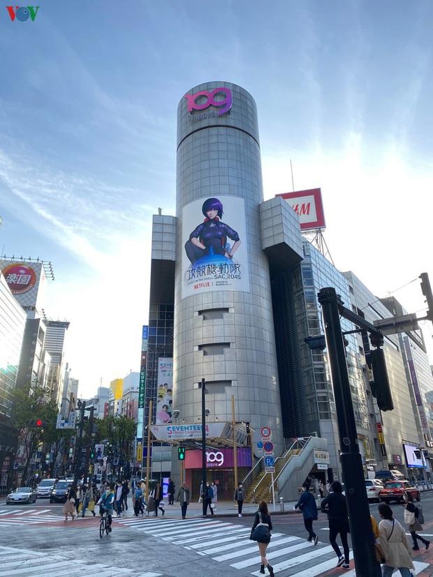 Tình hình dịch Covid-19 tiến triển, Nhật Bản nới lỏng hạn chế xã hội - Ảnh 2.