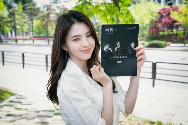 Bị chê bai diễn xuất khi đóng tiểu tam Thế Giới Hôn Nhân, Han So Hee vẫn quyết theo nghề vì lý do cảm động này - Ảnh 6.