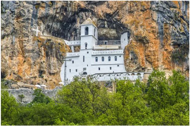 21 bức ảnh ngoạn mục về các địa điểm tôn giáo biệt lập bậc nhất thế giới - Ảnh 11.