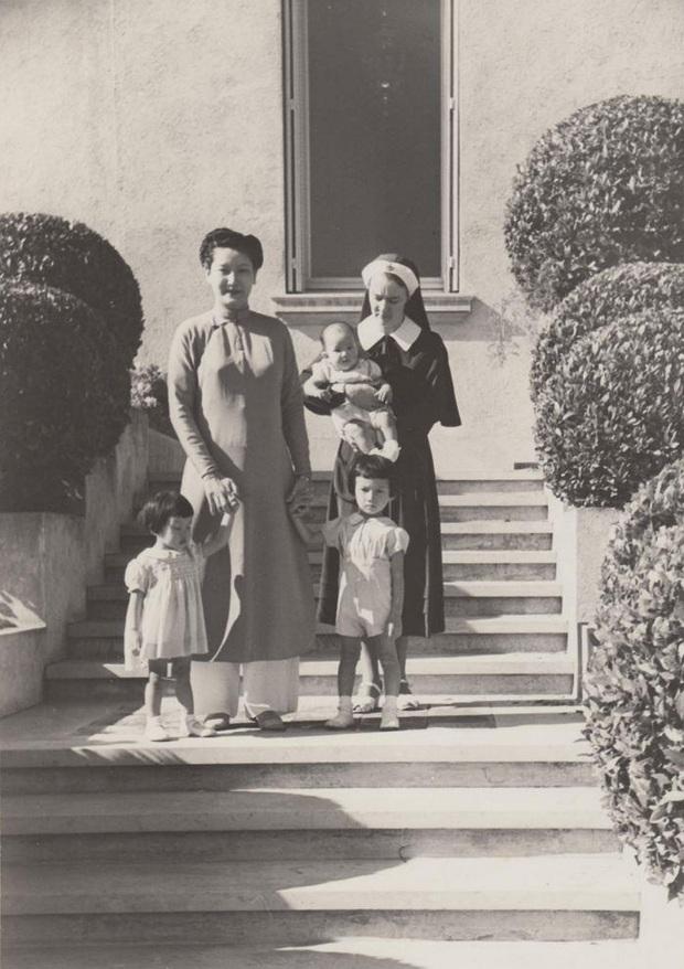 Nam Phương Hoàng Hậu: Người đàn bà phải lòng Dior nhưng phân nửa đời vẫn mực thước với Áo dài - Ảnh 12.