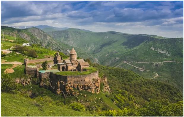 21 bức ảnh ngoạn mục về các địa điểm tôn giáo biệt lập bậc nhất thế giới - Ảnh 17.
