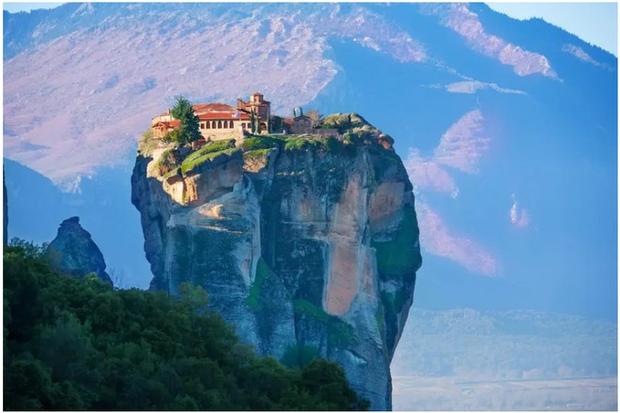 21 bức ảnh ngoạn mục về các địa điểm tôn giáo biệt lập bậc nhất thế giới - Ảnh 5.