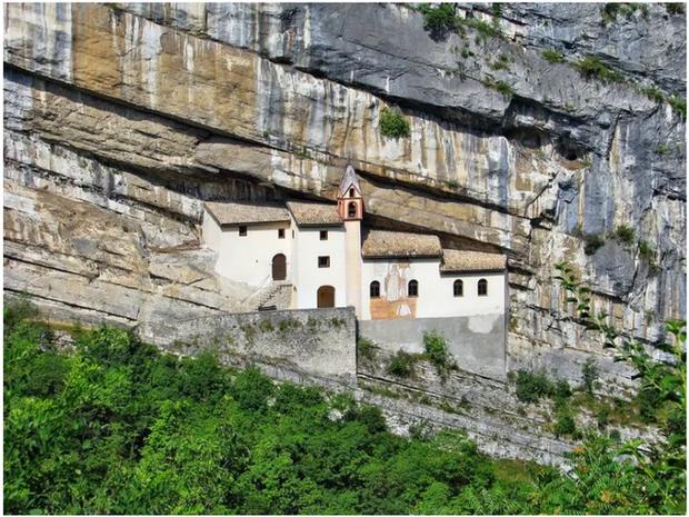 21 bức ảnh ngoạn mục về các địa điểm tôn giáo biệt lập bậc nhất thế giới - Ảnh 9.