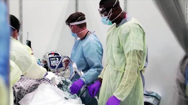 Đại dịch COVID-19 khiến hơn 28 triệu ca phẫu thuật bị trì hoãn trên toàn cầu - Ảnh 1.
